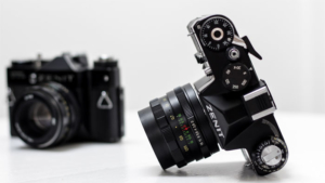 富士フイルム X-T4 レビュー ファンが感じた 残…|大感謝! Bebird X17 Pro 耳掃除を…|iPhoneの カメラの絵文字 モデルになった機種は…|他