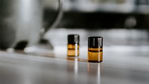 クロエのフレグランス クロエ ノマド に心奪われる新香調が仲間入り|エルメス の香水を成功に導いた初代専属調香師が語る新たなメゾン クヴォン・デ…