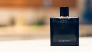 第2の 香水 と話題の うっせぇわ ネット発大ヒッ…|バイレードとトラヴィス・スコットがコラボした 幻の香…|デザピタ活用事例 すさみ線香水車 たまぐすの会 ロ…
